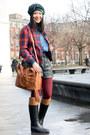 Black-rain-boots-aigle-boots-dark-green-tartan-vintage-hat