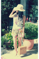 Mercadillo shorts - escada hat - handmade bag - Zara t-shirt