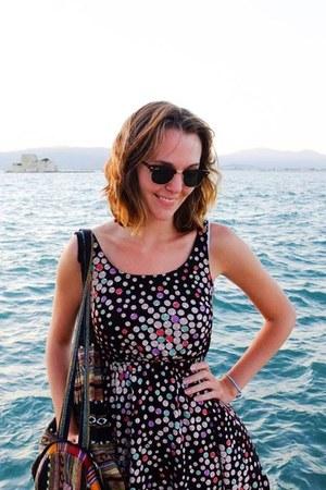 seashell Target dress - clubmaster Ray Ban sunglasses