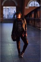 black faux leather c&a jacket - black leggings - brick red H&M shirt