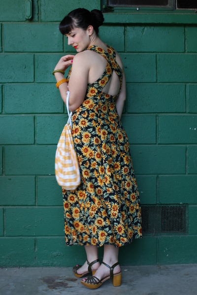 yellow vintage bag - forest green vintage 90s dress
