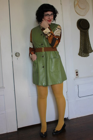 vintage jumper - tights - vintage blouse