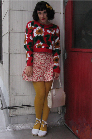 vintage sweater - tights - vintage 40s shorts - wedges