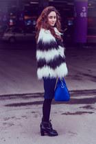 blue BeFree bag - navy pull&bear skirt