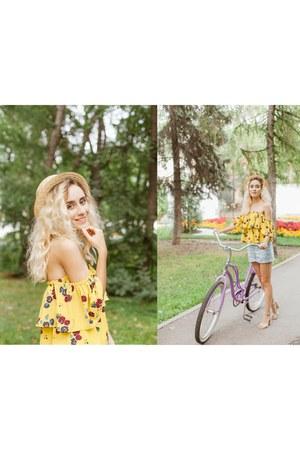 light blue Stradivarius shorts - light yellow Zara blouse - cream Mango heels