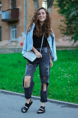 silver H&M bag - gray pull&bear jeans - black H&M sandals