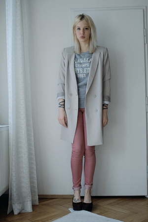 salmon Topshop jeans - beige Monki blazer - heather gray H&amp;M Man sweatshirt