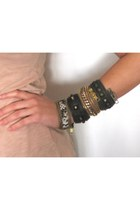 Zipper Cuff Maslidna Bracelets