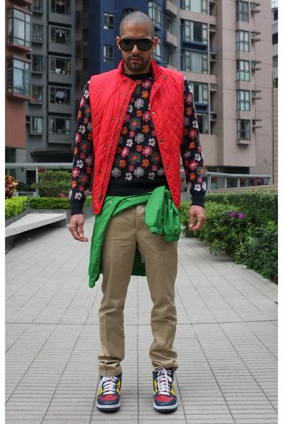 Mossimo jacket - floral jumper Club Monaco jumper - down vest Club Monaco vest