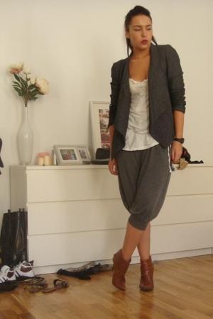 Zara blazer - H&M pants - Bershka blouse - non descript romanian Brand boots