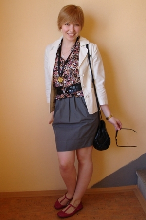 Mango jacket - H&M top - Topshop skirt - H&M belt - vintage accessories