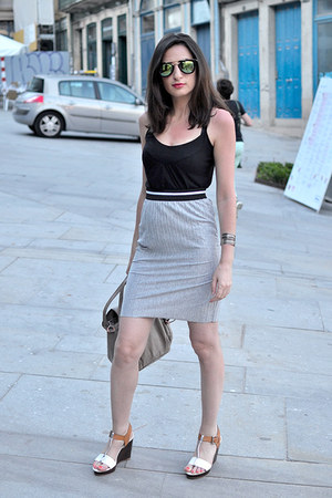 black H&M top - silver el corte ingles skirt - white Clarks sandals