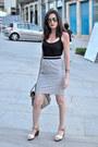 Black-h-m-top-silver-el-corte-ingles-skirt-white-clarks-sandals