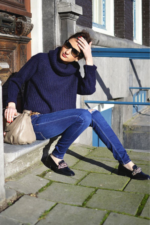 Zara jeans - navy Zara sweater - Ray Ban sunglasses - navy Zara flats