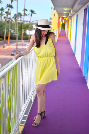 cream The Hats hat - yellow Zara dress - black Zara sandals