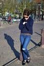 Zara-jeans-navy-zara-sweater-ray-ban-sunglasses-navy-zara-flats
