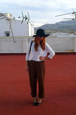 black Claires hat - white knitted Stradivarius sweater - black vintage pants