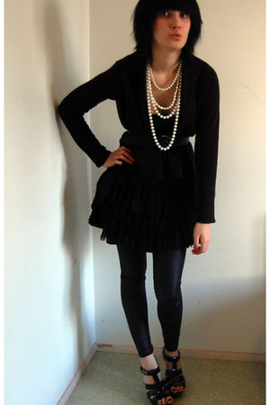 black GINA TRICOT cardigan - black H&M leggings - black H&M skirt - black trendy