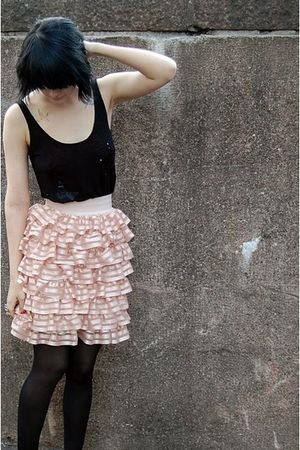 black GINA TRICOT top - beige H&M skirt