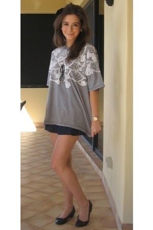 Karen Walker t-shirt - YMC shorts - Repetto shoes - Tatty Devine necklace