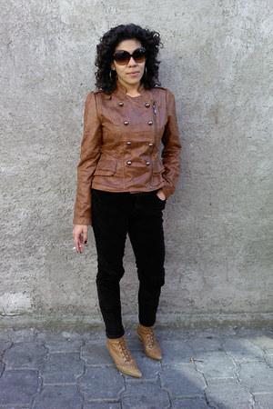 Vintage costume jacket - Zara jeans - Zara boots - T&M glasses