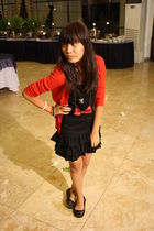 red cardigan - black dress - black shoes - red accessories