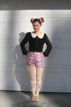 pink eyeball accessories - cream winking eye tights - pink floral shorts