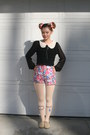 Cream-winking-eye-tights-pink-floral-shorts-black-blouse