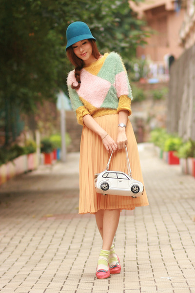 aquamarine romwe sweater - teal Tie Rack hat - yellow from laurustinus skirt