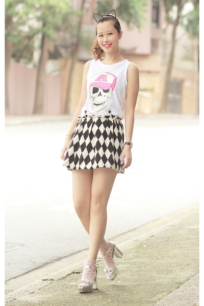 black romwe skirt - bubble gum Yesstyle t-shirt