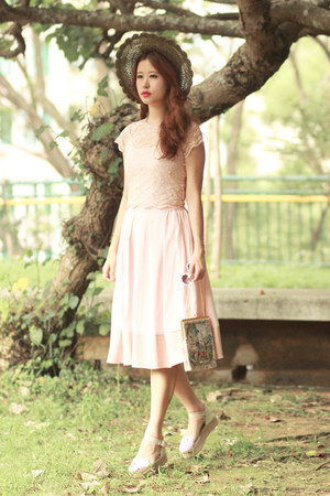 light pink Varrie skirt - neutral RARE top