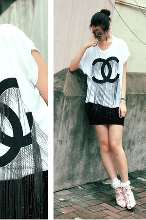 white only know its made in korea t-shirt - black H&M skirt - pink edwina shoes