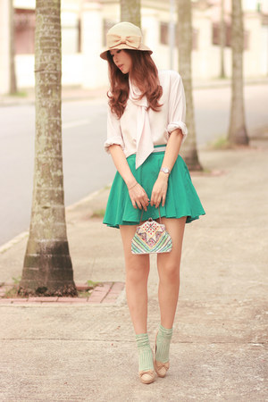 turquoise blue Chicwish skirt - cream vintage blouse - eggshell Chloe heels