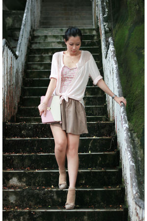 pink H&M shirt - pink pull&bear intimate - beige Chloe shoes