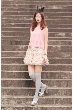 pink awwdore top