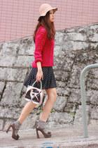 hot pink Pull & Bear sweater - heather gray becky bloomwoods wardrobe socks