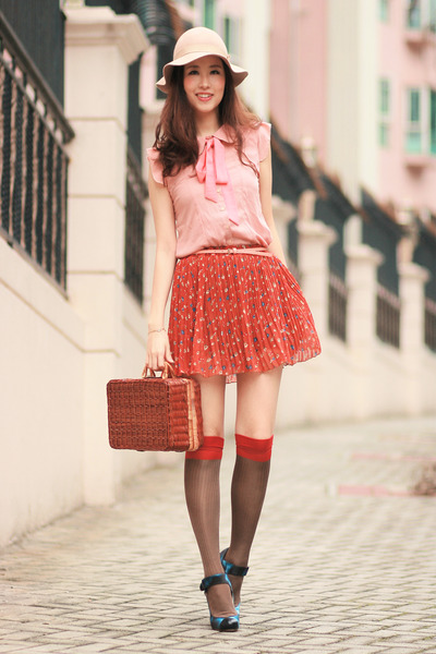 burnt orange becky bloomwoods wardrobe skirt - tawny Chicwish bag