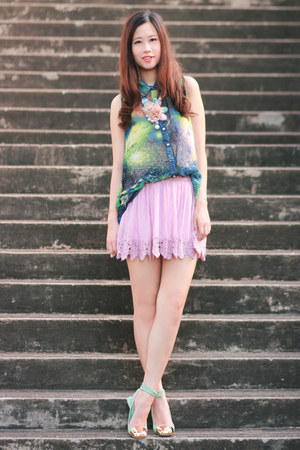 lime green Chicwish top - light pink ianywear skirt