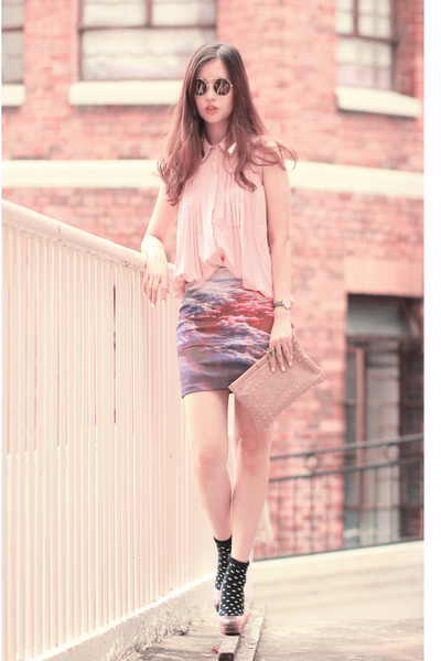 amethyst beckybwardrobe skirt - light pink awwdore top - black Wildfox glasses