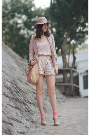 nude Monki hat - neutral dizzle spiria blazer - camel Fendi bag - peach H&M shor