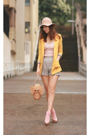tawny kate spade bag - beige Monki hat - yellow wwwyesstylecom blazer