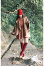 Camel-coat-tawny-endlich-ballerina-dress-beige-chloe-shoes-red-hat