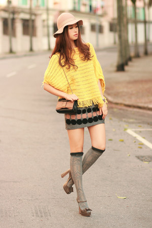 navy from laurustinus skirt - yellow becky bloomwoods wardrobe sweater