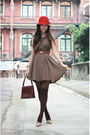 Red-hat-brown-vavi-1st-dress-red-vintage-bag