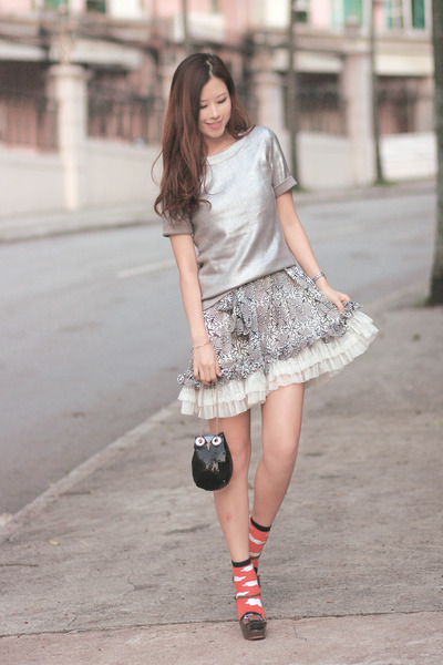 silver H&M top - heather gray gia london dress - black kate spade bag