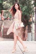 beige Smooch dress
