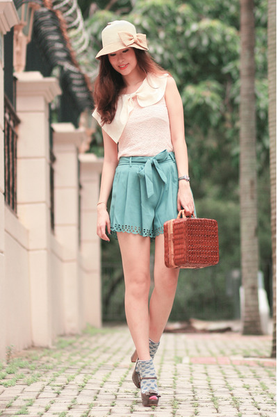 turquoise blue Yesstyle shorts - brown Chicwish bag - light pink Yesstyle top
