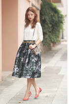 dark gray Chicwish skirt - ivory Front Row Shop top - salmon Carven flats