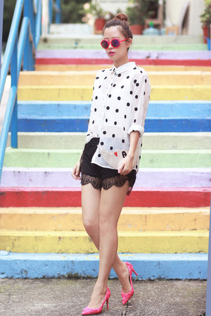 white Front Row Shop shirt - black romwe shorts