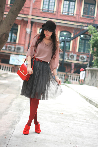 pink you kki blouse - red elle shoes